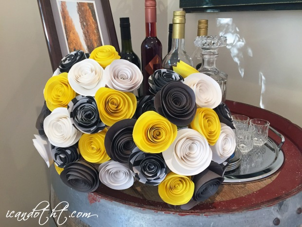 Wedding bouquet yellow grey